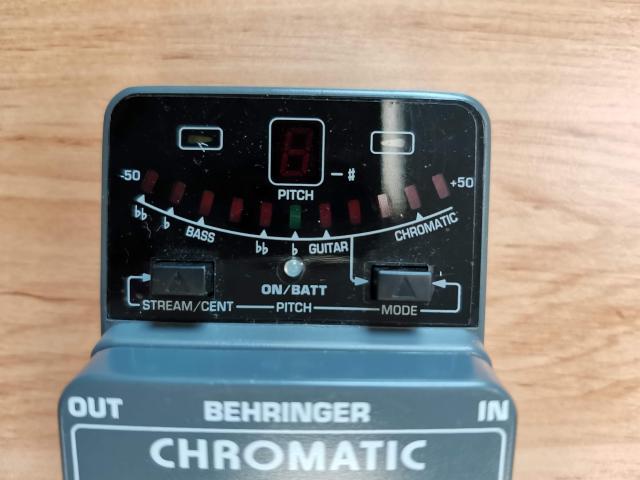 Chromatic TUNER Behringer TU300